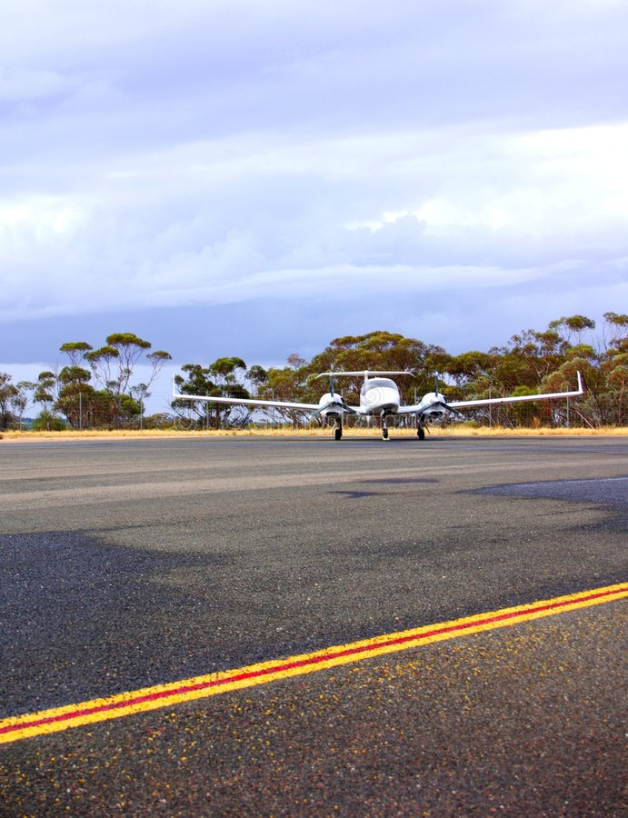 Twin Aircraft at Renmark. Photograph taken featuring a Diamond Twin-Engine aircraft at Renmark Airfield (South Australia stock photos