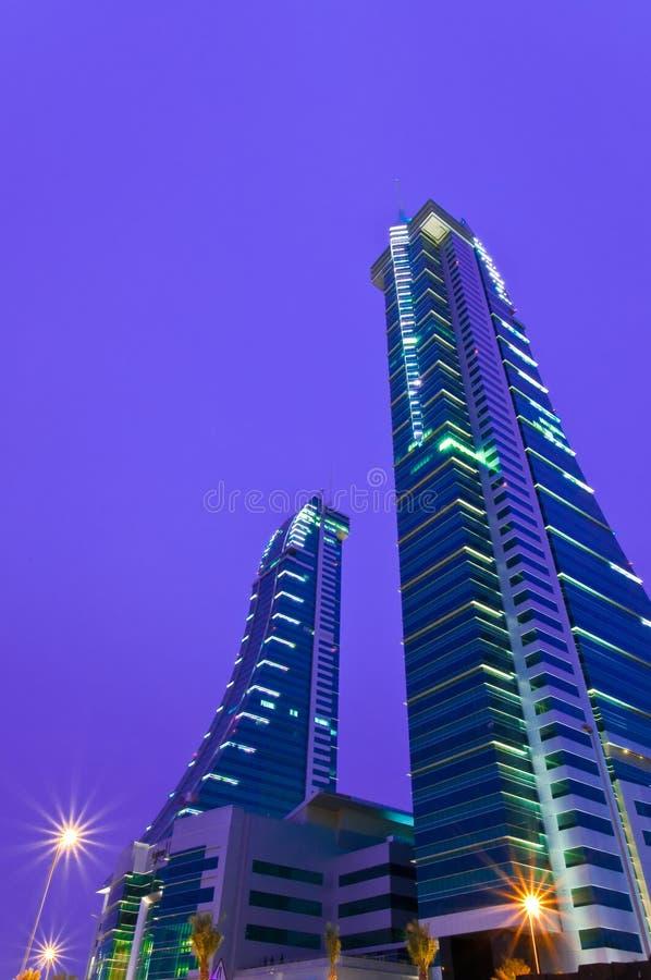 Twin Tower am Bahrain-Finanzhafen lizenzfreie stockfotos