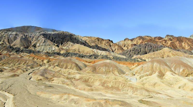 Twintig Muilezel Team Canyon Road, Doodsvallei royalty-vrije stock afbeeldingen