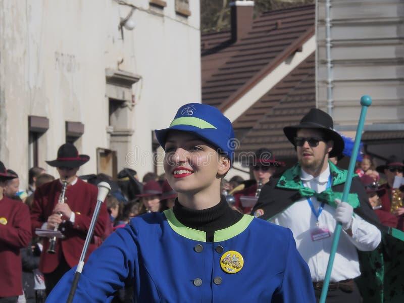 Twirler de bastón en desfile de la primavera foto de archivo libre de regalías