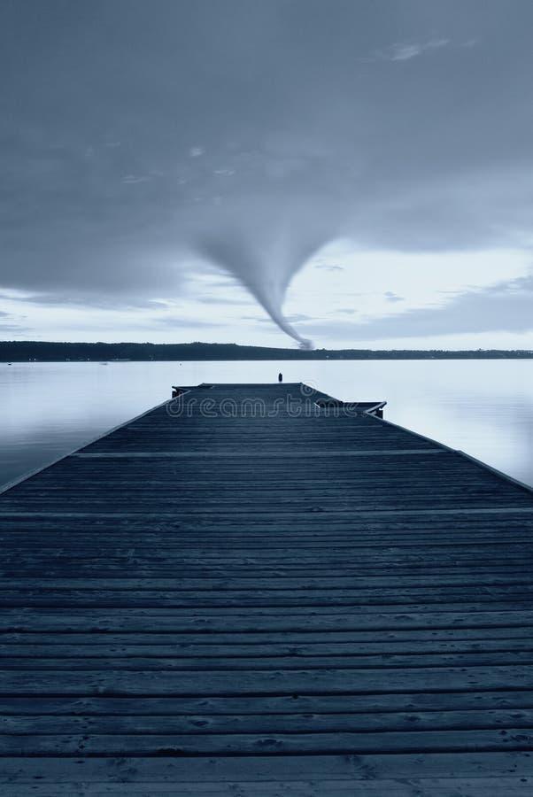 Twister bij horizon royalty-vrije stock foto