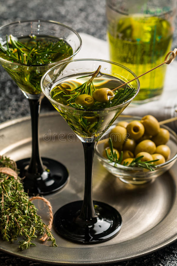 Free Two Fresh Green Cocktails Royalty Free Stock Images - 68321499