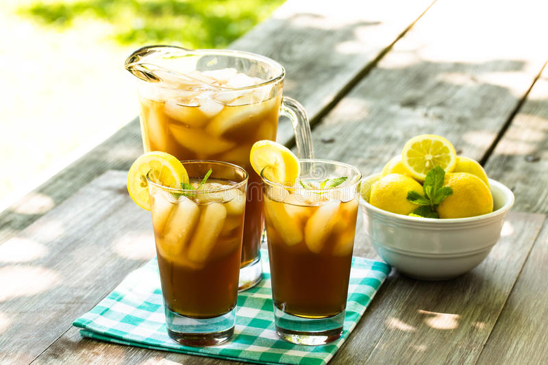 Two Glasses of Iced Tea With Lemons stock photography