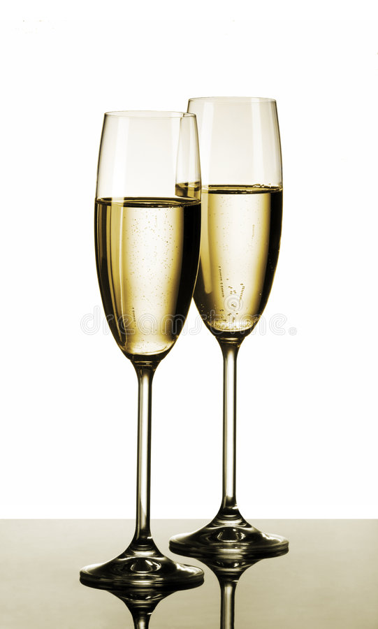 Free Two Glasses Of Champagne Royalty Free Stock Images - 7477909