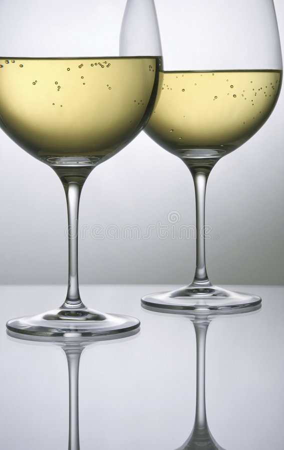 Free Two Glasses Of White Wine Stock Image - 8615041