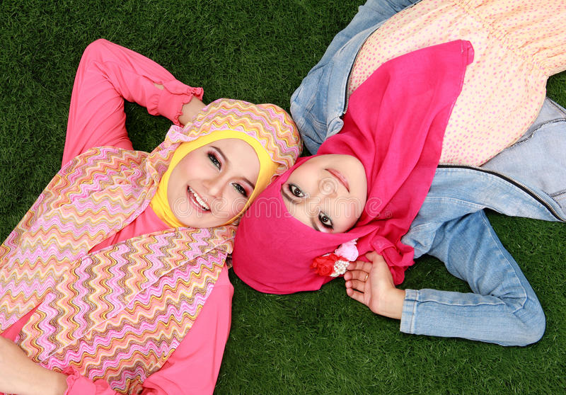 grassy single muslim girls I know a girl who has a great personality, except she's muslim --which is a damn shame.