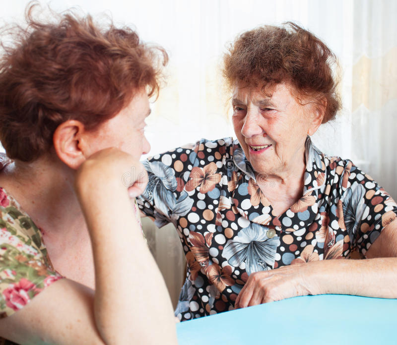 Two seniors woman talking royalty free stock photos