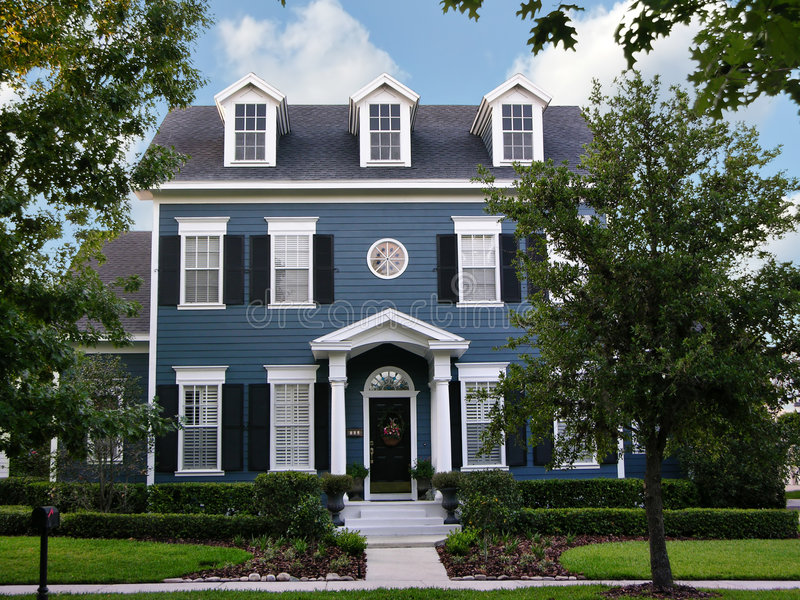 Two-Story Colonial royalty free stock photos