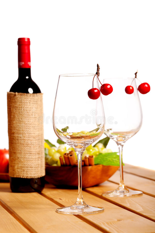 Free Two Wine Glass Royalty Free Stock Photography - 22656467