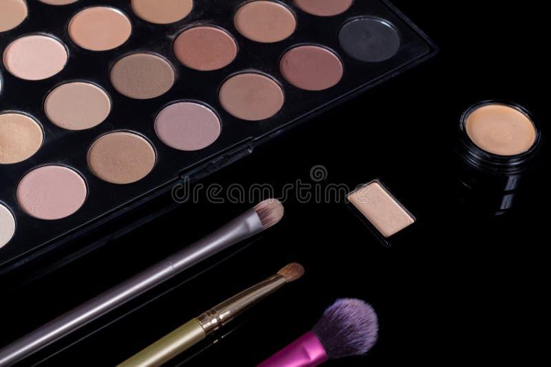 tworz? szczotki Oko cienia paleta makeup zestaw Kosmetyka set E obraz royalty free
