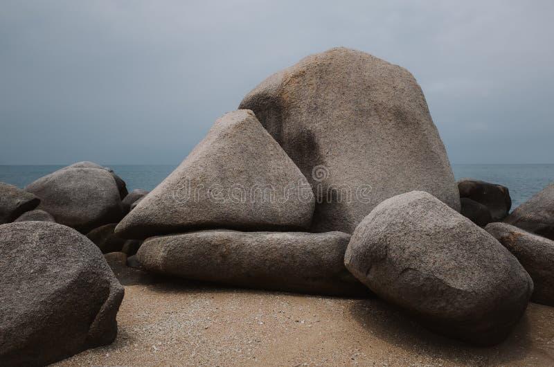 Tworzenie skał na plaży w Koh Tao, Tajlandia zdjęcia stock
