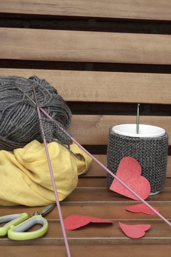 Tworzyć romantyczną kubek grzałkę zdjęcie stock