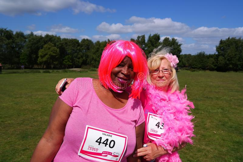 Twowomen na raça para o evento de vida fotos de stock royalty free