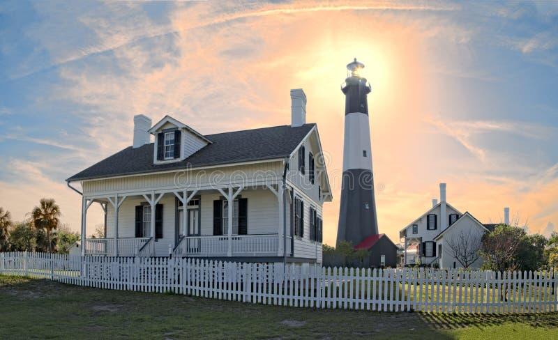 Tybee Island Lighthouse på skymning royaltyfri bild