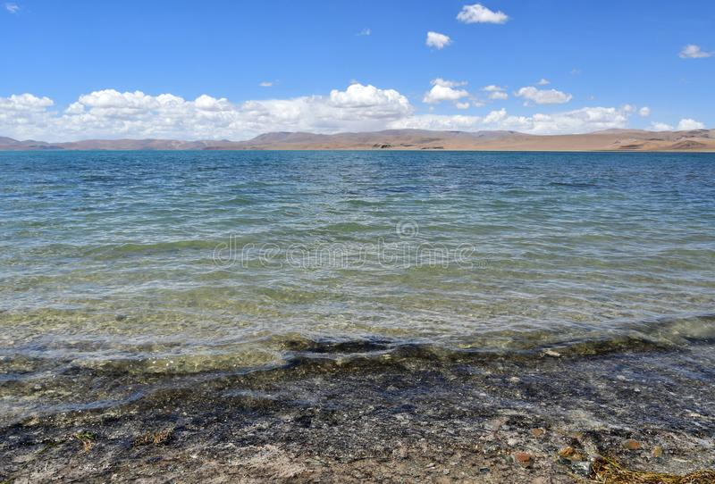 Tybet, Gomang jezioro w lecie zdjęcie royalty free