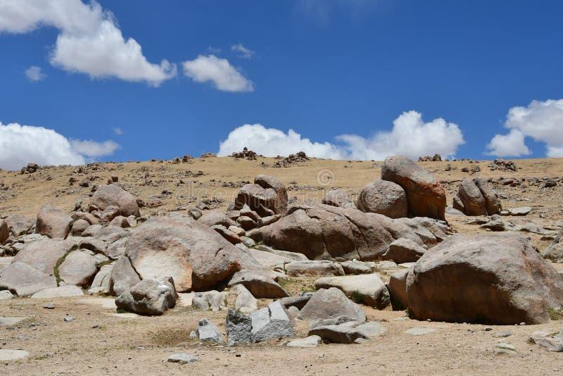 Tybet, mityczny kamienny charakter tworzący z natury zdjęcia royalty free
