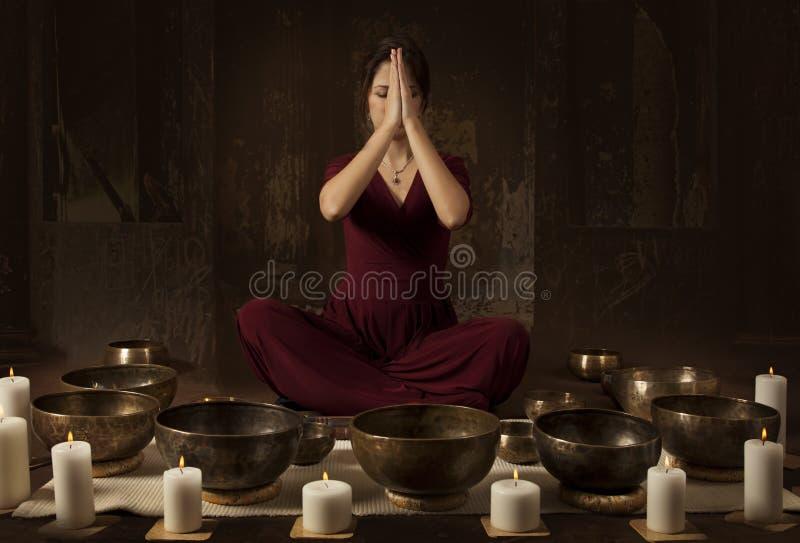Tybetańscy śpiewów puchary fotografia royalty free