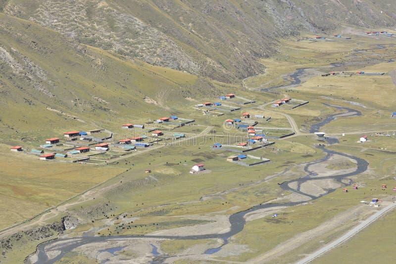 Tybetańska wioska w valleyï ¼  obraz stock