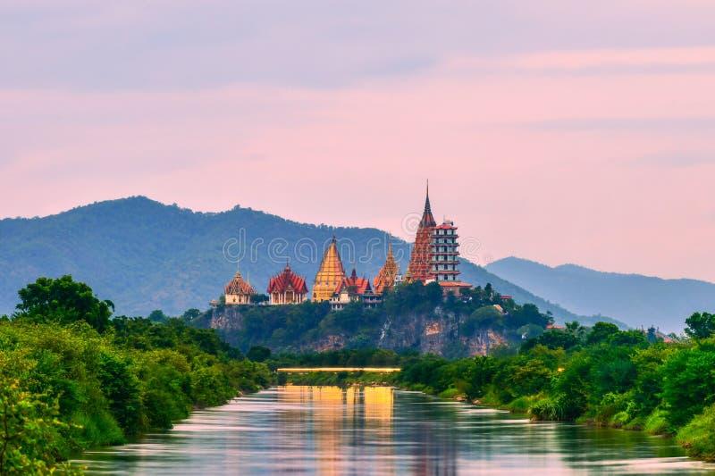 Tygrysiej jamy Kanchanaburi Świątynna prowincja, Tajlandia obrazy royalty free