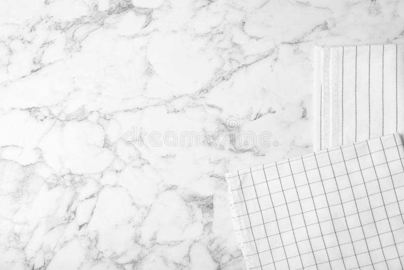 Tygservetter och utrymme för text marmorerar på bakgrund fotografering för bildbyråer