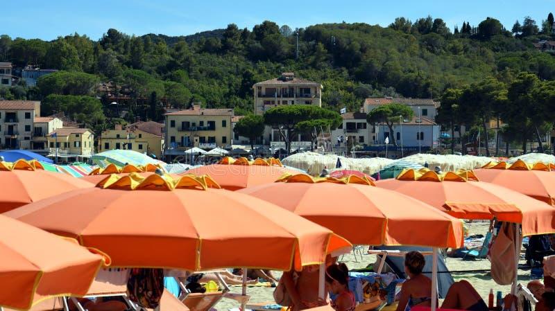 Tyhrrhenian海,卡波利韦里海滩在托斯卡纳,在厄尔巴岛海岛,意大利 免版税库存图片