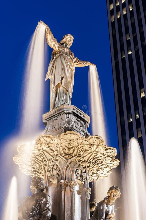 Tyler Davidson Statue - Fonteinvierkant - Cincinnati Van de binnenstad, Ohio royalty-vrije stock foto's