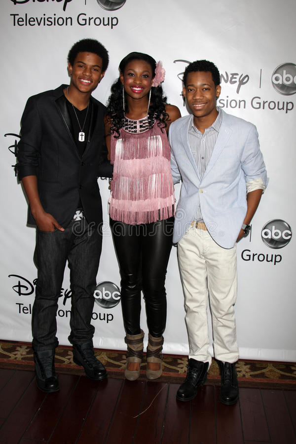 Tyler James Williams, Coco Jones, Trevor Jackson imagens de stock