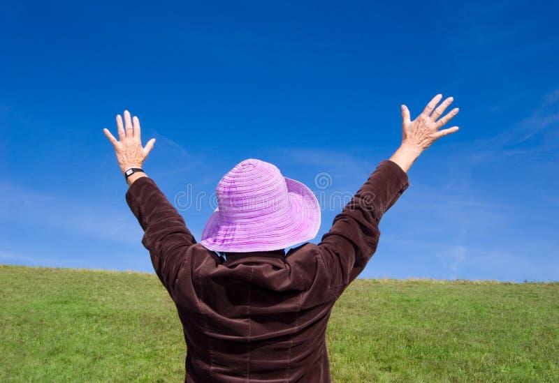 tylna się widzieć szczęśliwego życia kobietę zdjęcia stock