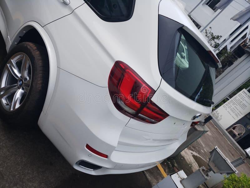 Tylni końcówka widoku BMW X5 elegancki projekt obrazy royalty free