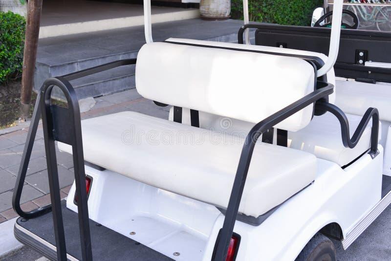 Tylni siedzenie Golfowy samochód obrazy royalty free