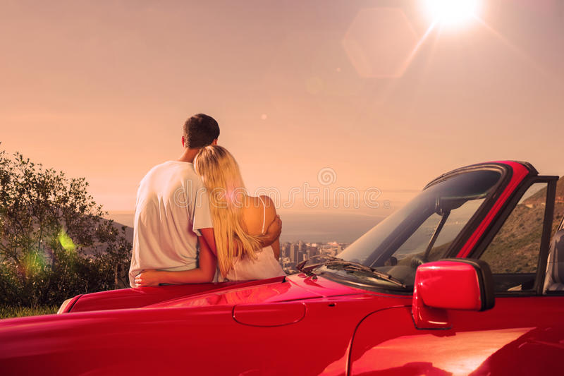 Tylni widok pary przytulenie i podziwiać panorama ilustracja wektor