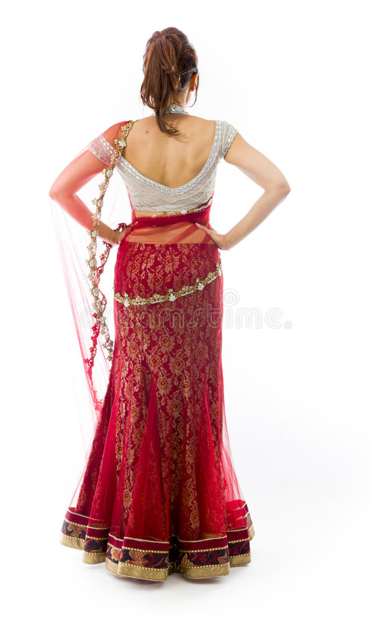 Download Tylni Widok Potomstwo Kobiety Indiańska Pozycja Z Jej Rękami Akimbo Obraz Stock - Obraz złożonej z subkontynent, fryzury: 41951697