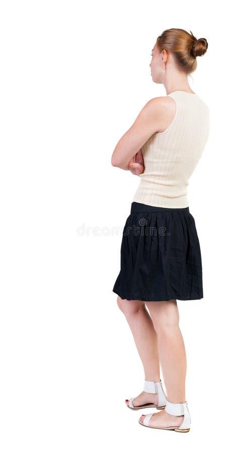 Tylny widok chodząca kobieta w sukni piękna blondynki dziewczyna w m obrazy stock