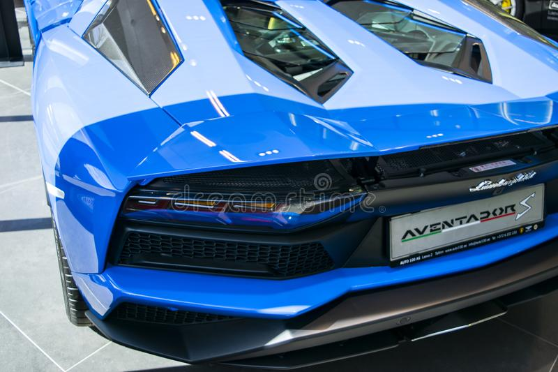Tylny widok nowy Lamborghini Aventador S coupe nagłówek Samochodowy wyszczególniać Samochodowi powierzchowność szczegóły fotografia royalty free