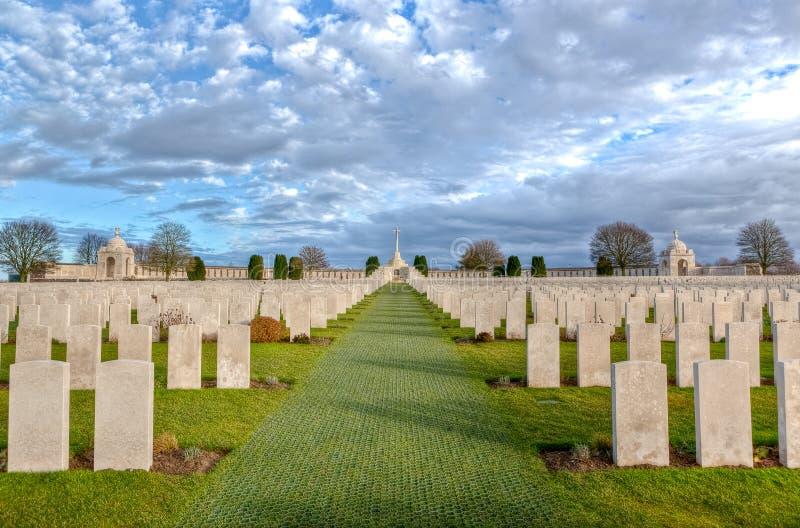 Tyne Cot Cemetery nei campi delle Fiandre fotografia stock libera da diritti