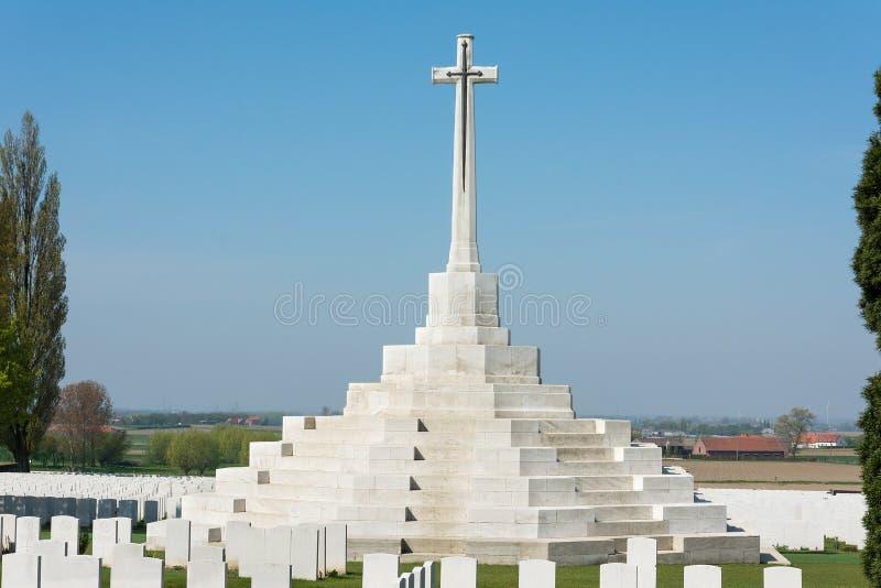 Tyne Cot Commonwealth Memorial vicino a Ypres fotografie stock libere da diritti