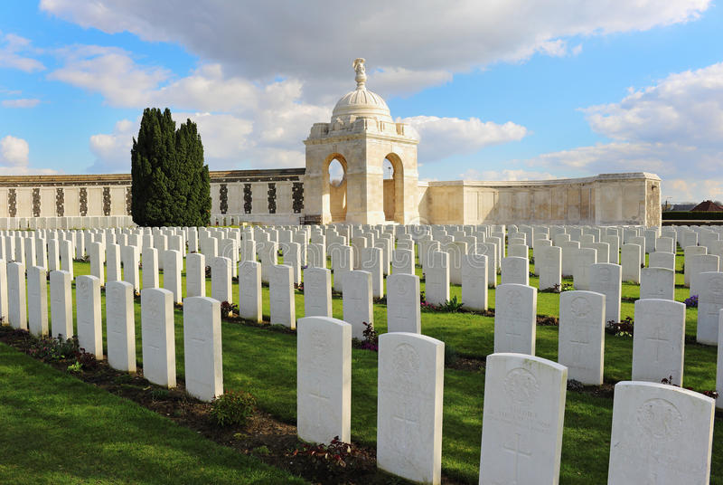 Tyne Cot War Cemetery, Belgio immagini stock