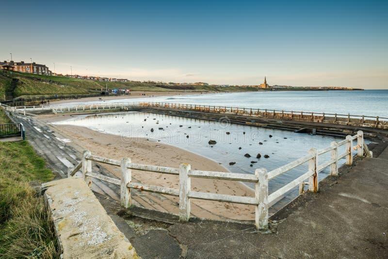 Tynemouth Lido和长的沙子海滩 库存照片