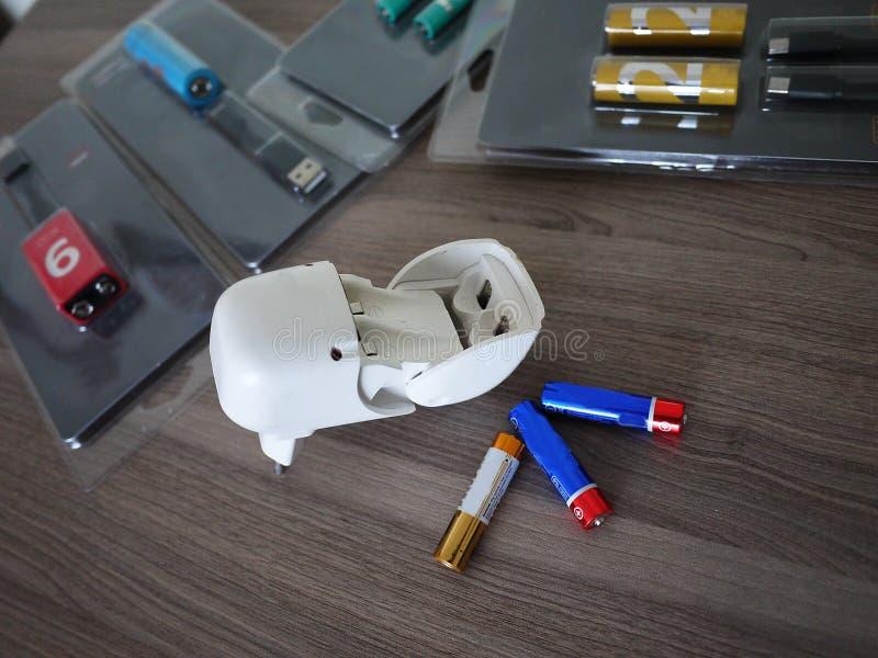 Type de batteries d'aa Détails et plan rapproché intérieurs photos libres de droits
