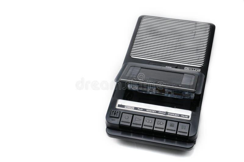 Type de bureau d'autrefois magnétophone à cassettes sur le backgr d'isolement blanc photo stock