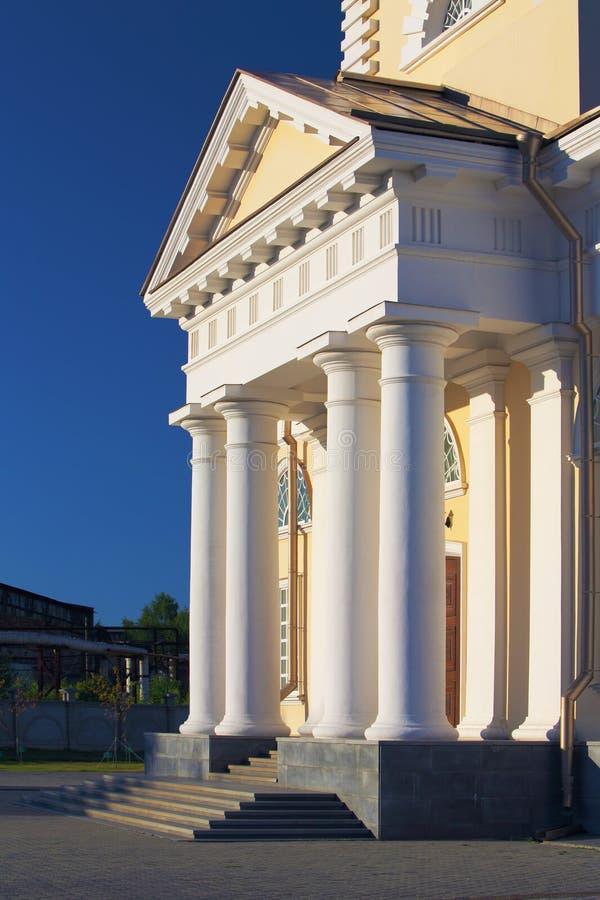 Type de classicism de cathédrale de Nevjansk, Russie images stock