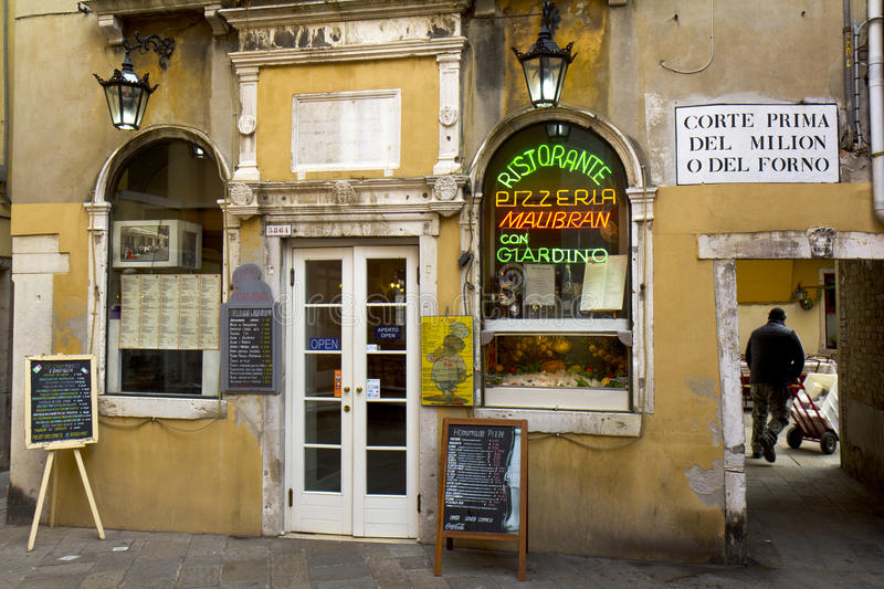 Download Typical Restaurant In Venice Editorial Stock Photo - Image: 22678388
