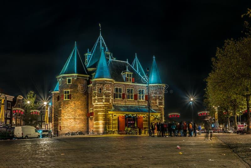 Typies Amsterdam, wielki miasto z udziałami woda, starzy budynki i kolory, zdjęcie royalty free