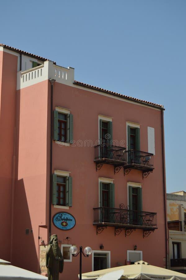 Typique vénitien de beaux bâtiments colorés dans Chania Voyage d'architecture d'histoire photos libres de droits