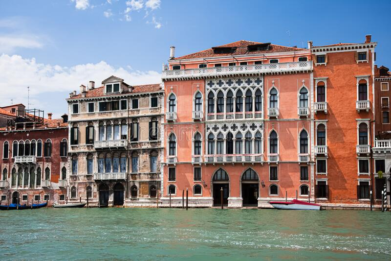 Typisch beeld op het Grote Kanaal van Venetië Italië stock fotografie
