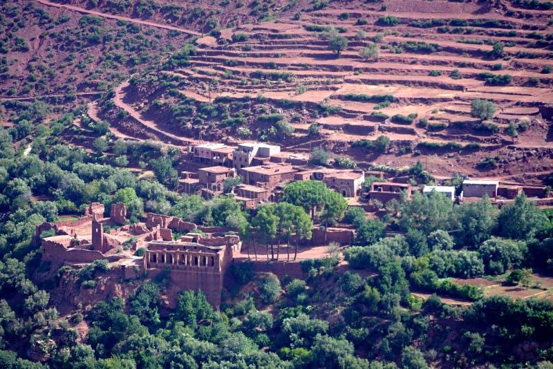 Typisch berberdorp van de atlasbergen in Marokko royalty-vrije stock fotografie