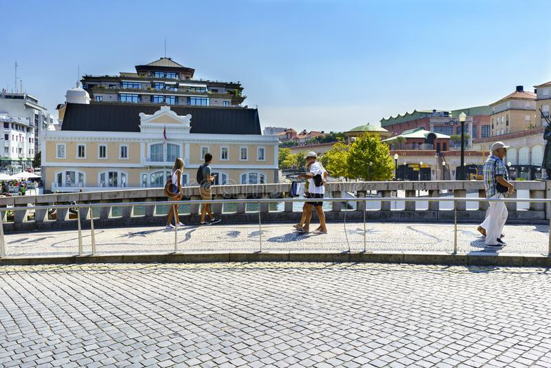 Typisch die huis in de typische gele kleuren van de stad wordt geschilderd, royalty-vrije stock afbeeldingen