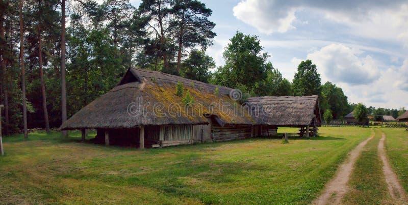 Download Typisch, Etnografisch Blokhuis Stock Foto - Afbeelding bestaande uit platteland, life: 39103630