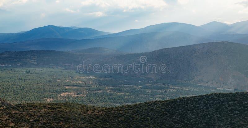 Typisch landelijk landschap in Griekenland stock foto's