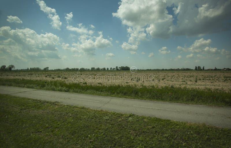 Typisch plattelandspanorama van noordelijk Italië stock foto's